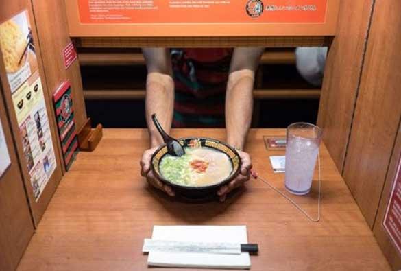 Manger seul, ça vous tente ?